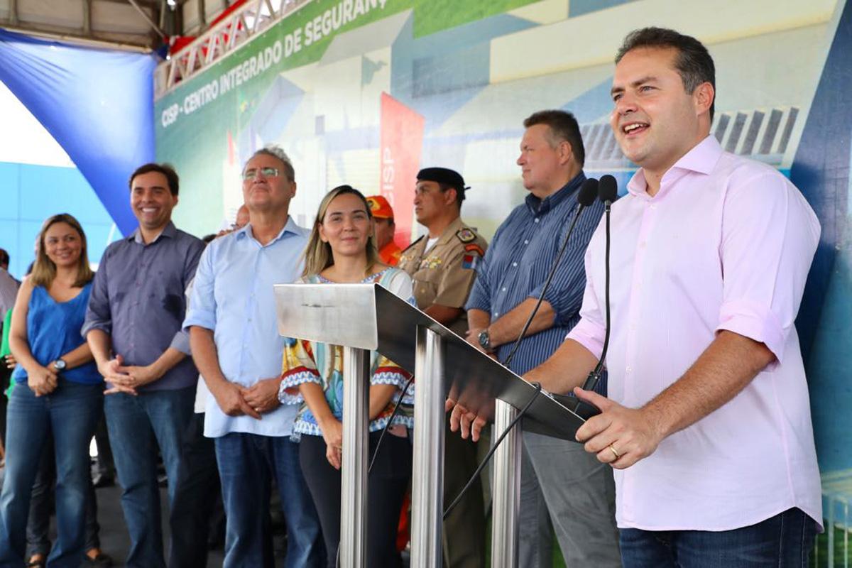 Durante solenidade, Renan Filho falou dos investimentos em infraestrutura para a região Norte (Crédito: Márcio Ferreira)