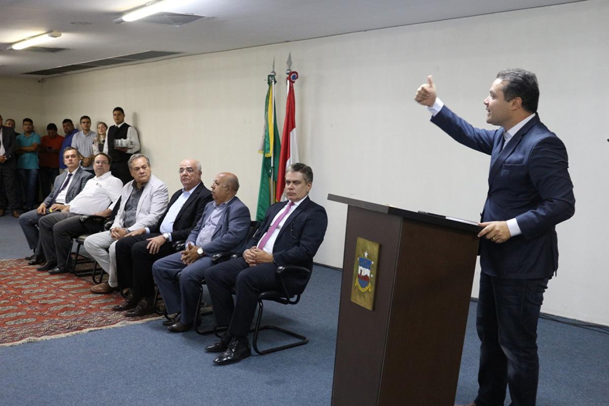 Governador empossa Lailson Gomes como presidente da Agência Reguladora de Alagoas. (Crédito: Addison Couto/Ascom Arsal)