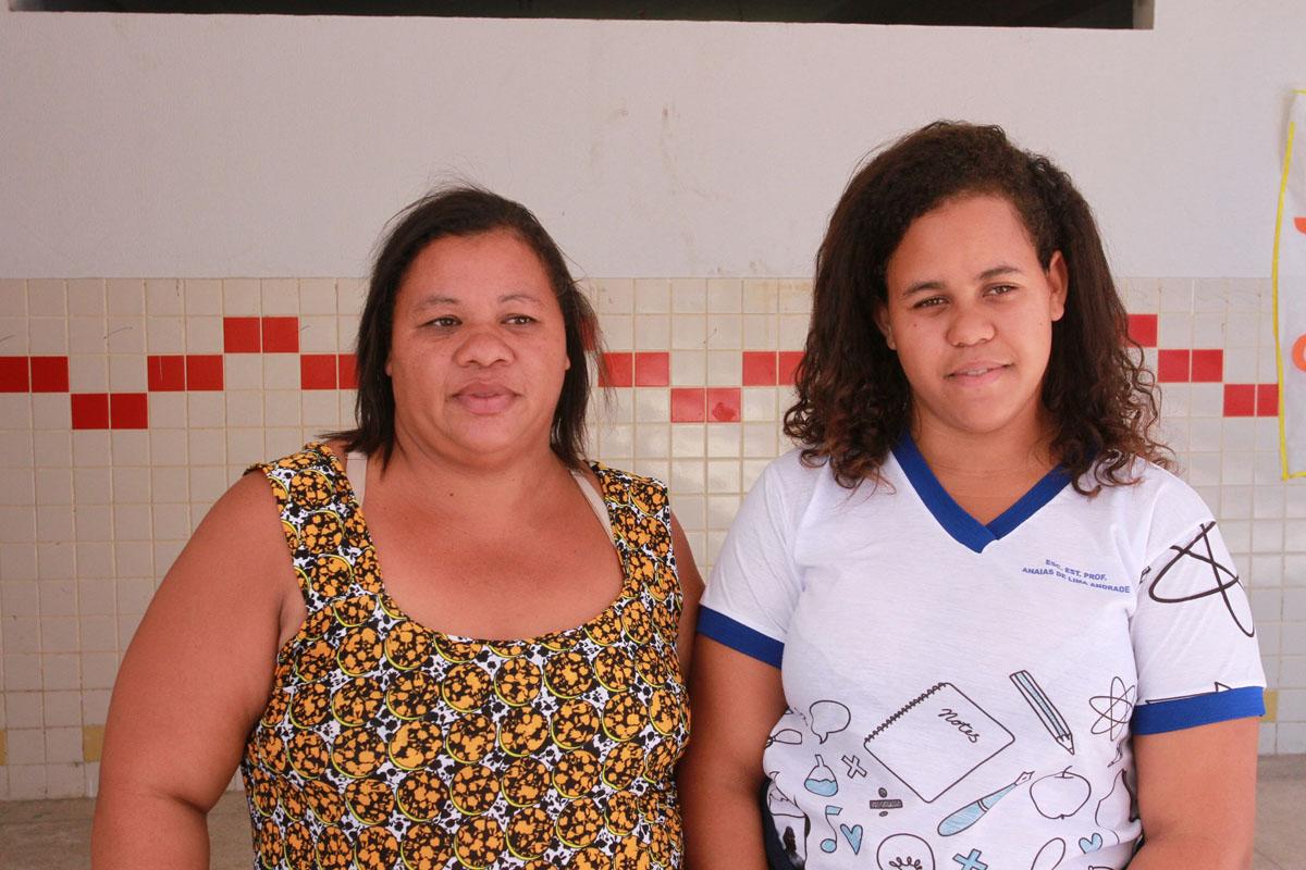 Gilvaneide e sua filha Ghisley  (Foto:Valdir Rocha)