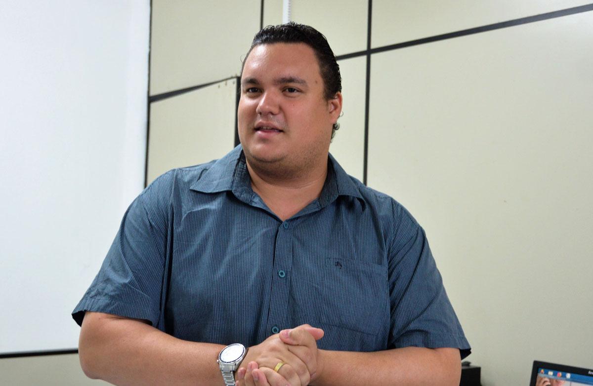 Daniel Seco, técnico do Serviço de Transporte Sanitário (Foto: Carla Cleto)