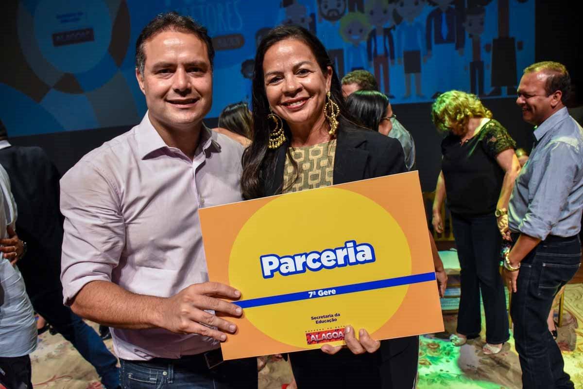 Governador Renan Filho durante durante a posse de 121 novos diretores eleitos pela comunidade escolar e gerentes regionais escolhidos pelo desempenho de suas escolas no Ideb