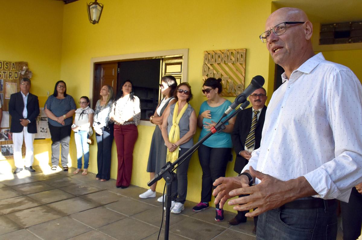 Secretário Enio Lins participou das homenagens a Audálio Dantas (Foto: Neno Canuto)