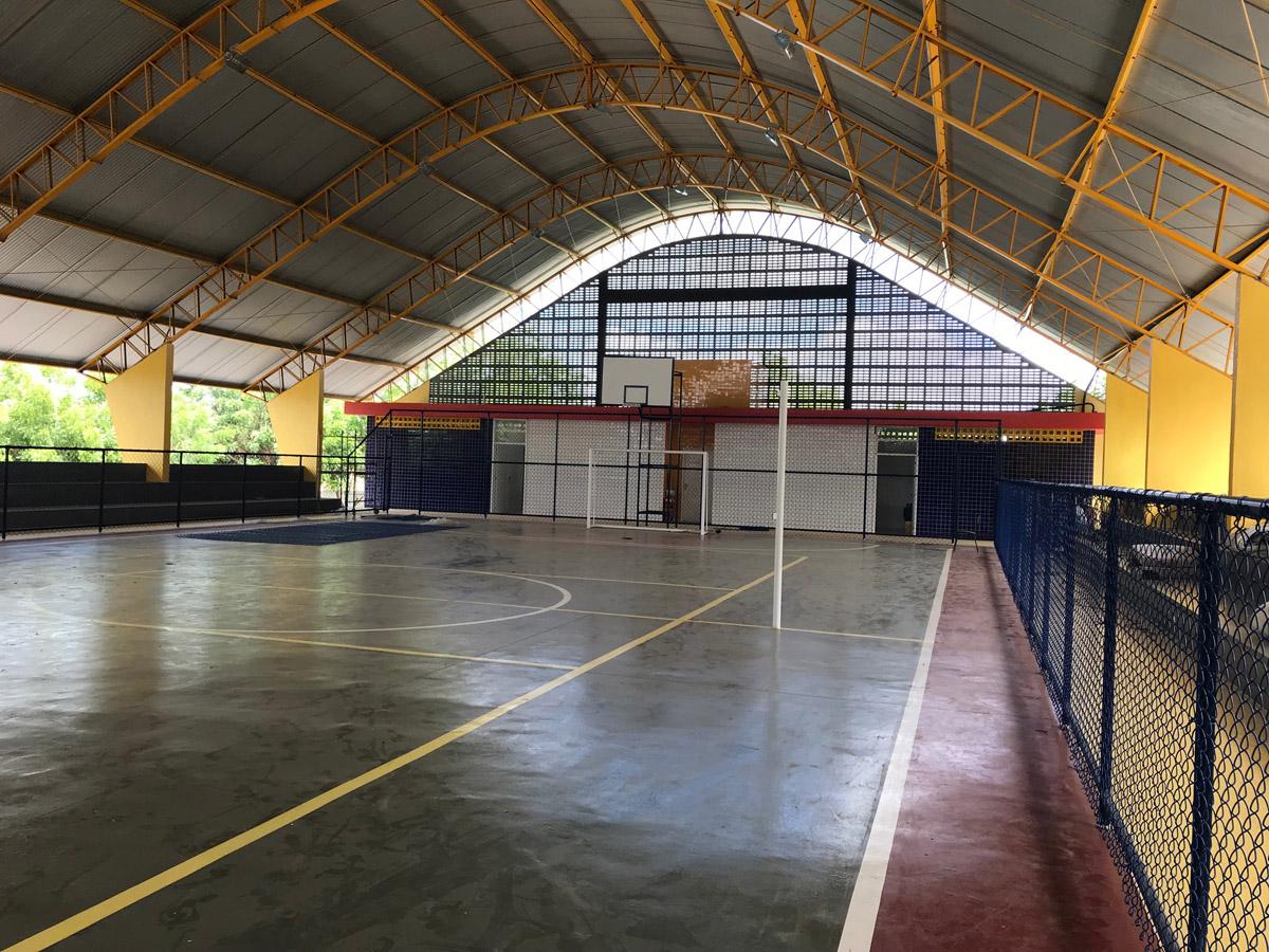 Quadra da Escola Watson Clementino, concluída após 23 anos de espera (Foto: Acervo Seduc)