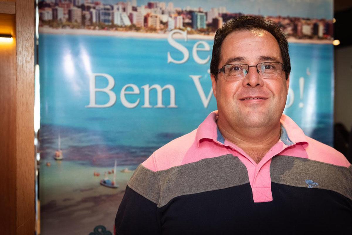 Proprietário de uma agência no interior de São Paulo, Everaldo destaca a importância das capacitações e campanhas no trabalho de apresentação dos atrativos turísticos  (Foto: Ariel Martini)