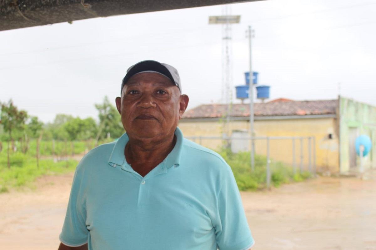 José de Oliveira, conhecido como Borboleta, tem 65 anos e comemora a chegada dos Microssistemas de Abastecimento (Foto: Ascom Semarh)