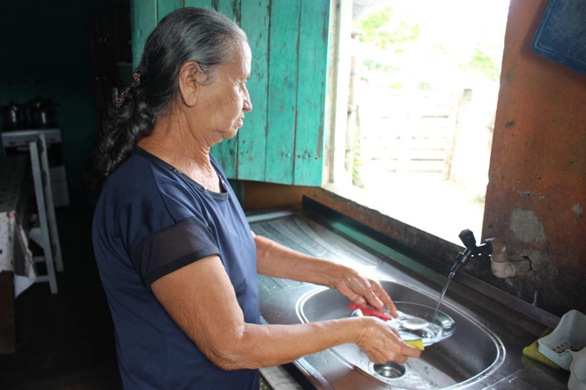 Sertanejos agora possuem água encanda e de boa qualidade para uso diário (Foto: Ascom Semarh)