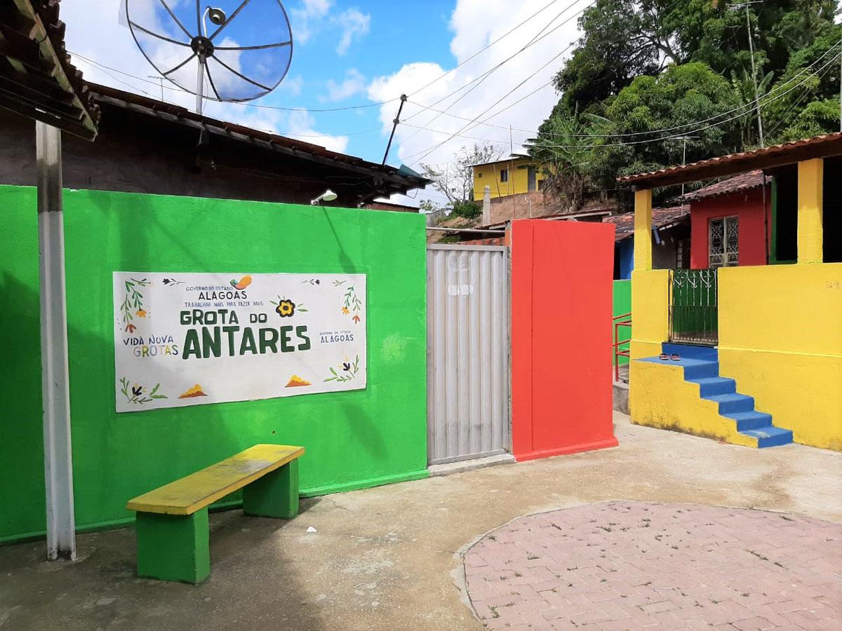 Na Grota Antares, o programa beneficia cerca de 300 famílias que moram na comunidade localizada na parte alta da capital (Ascom Setrand)