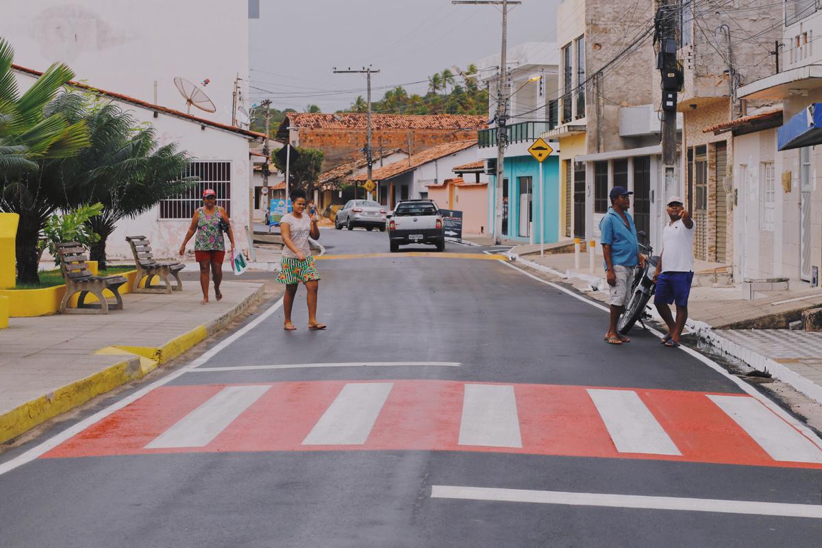 Entrega de vias pavimentadas em Japaratinga (Foto: Márcio Ferreira)